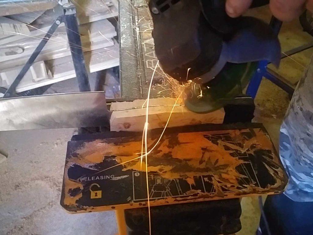 Mit der Transparent Disc kann man schnell Messergriffe formen
